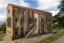 Oviedo, Chiesa E Monumento Preromanico, Spagna
