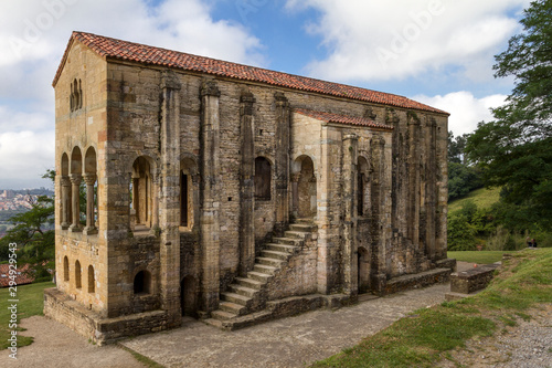 Obraz na plátně Oviedo, Chiesa e Monumento Preromanico, Spagna