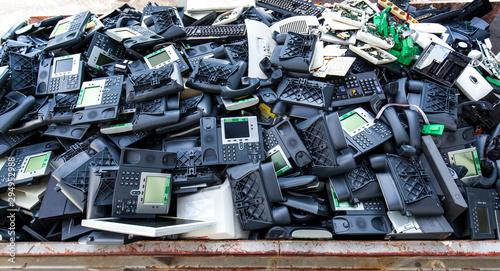 Valokuva  Alte Telephone, Computer und Elektronik Müll