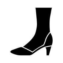 Court Shoes Glyph Icon. Woman Stylish Formal Footwear Design. Female Casual Stacked Kitten Heels, Luxury Modern Pumps. Office Fashion. Silhouette Symbol. Negative Space. Vector Isolated Illustration
