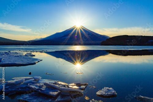 fototapeta na ścianę ダブルダイヤモンド富士、山梨県山中湖にて