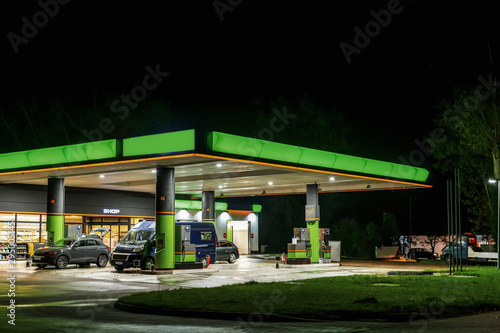 Fotografía  Nachts an der Tankstelle
