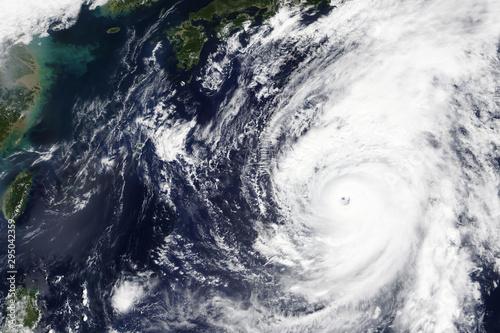 Pinturas sobre lienzo  Typhoon Hagibis heading towards Japan in October 2019 - Elements of this image f