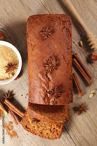 Obraz na plátně  gingerbread cake with spices, top view