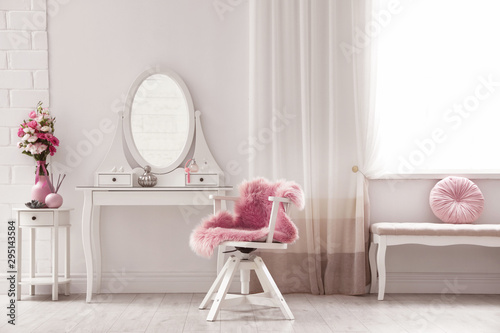 Stylish room interior with white dressing table Fototapet