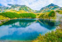 立山を映すミクリガ池