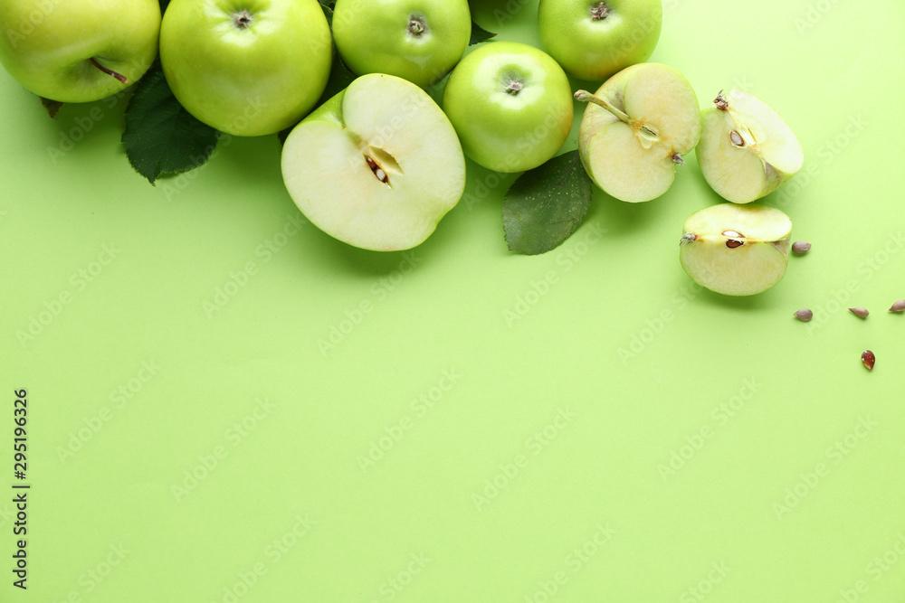Fototapety, obrazy: Fresh ripe apples on color background
