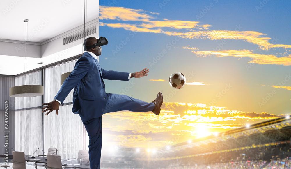 Fototapety, obrazy: Black Man and Virtual Reality Soccer Match
