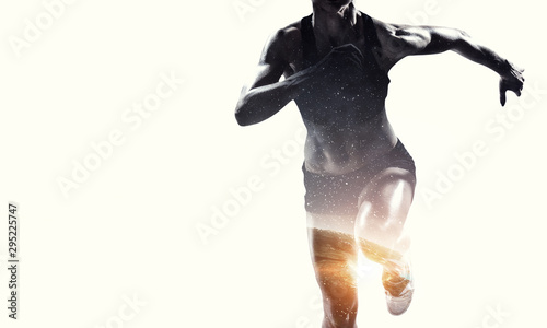 Tela Abstract concept of running young sportswoman