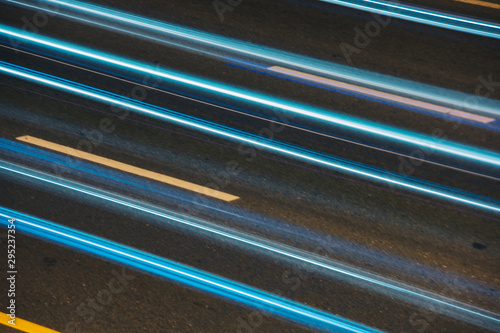Photographie Night view long exposure of traffic moving
