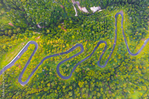 Canvas Aerial view of winding road on mountain in Autumn