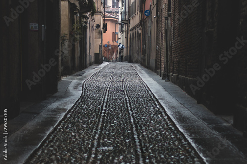Fototapeten Schmale Gasse Pavia
