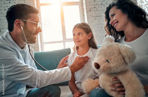 Family doctor Fototapete
