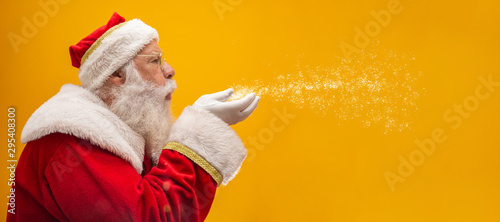 Holly jolly Xmas festive occasion Noel! Christmastime traditions! Santa in headw Fototapet