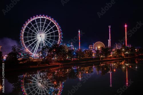Fototapeta Ferris Wheel at Volksfest, Cannstatter Wasen, Stuttgart Germany obraz