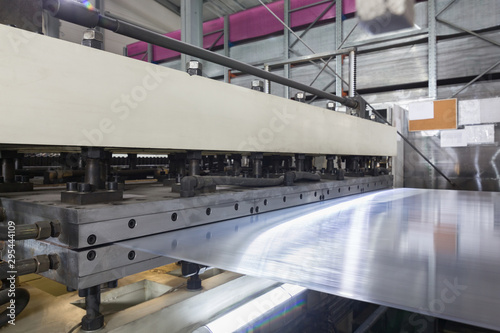 Fotomural  Production process plastic polycarbonate hollow sheet extrusion die with sheet l