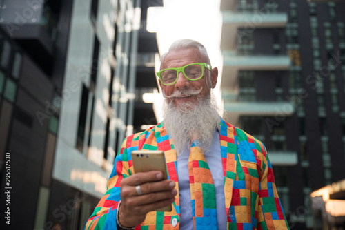 Fotografia Youthful stylish senior man with hipster outfit
