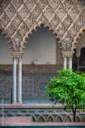 Fotografiet  inside the royal palace, view of the garden of  alcazar (the royal palace) in seville