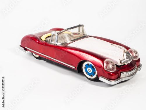Pinturas sobre lienzo  car tin toy  on  white background