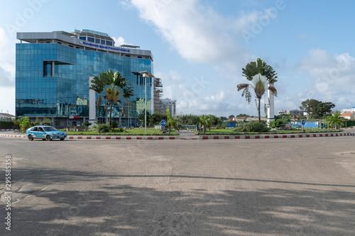 Rond-point Mairie Centrale à Pointe-Noire #2 Fototapet