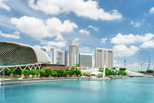 Cadres-photo bureau Singapoure Amazing view of modern buildings and Marina Bay in Singapore