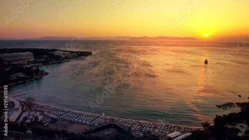 Photo Aerial drone photo of iconic Astir or Asteras celebrity beach featuring ancient