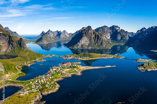 Fond de hotte en verre imprimé Europe du Nord Lofoten is an archipelago in the county of Nordland, Norway.