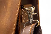 Vintage Retro Style Snap Hook Shoulder Strap In The Formal Leather Messenger Bag.