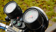 Motorcycle Speedometer With Ra...