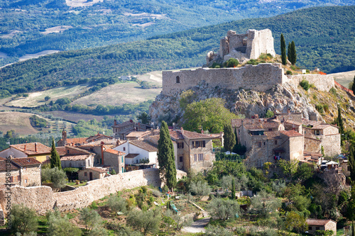 Staande foto Oude gebouw Grosseto, Tuscany, Italy: the ruins of the ancient fortress Rocca Aldobrandesca, medieval castle of the town