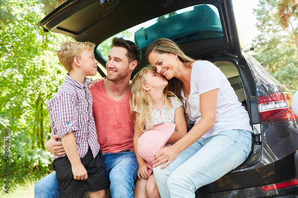 Fototapety, obrazy: Happy family in the car on summer vacation