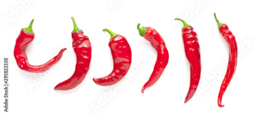 Foto set of red chili peppers isolated on white background