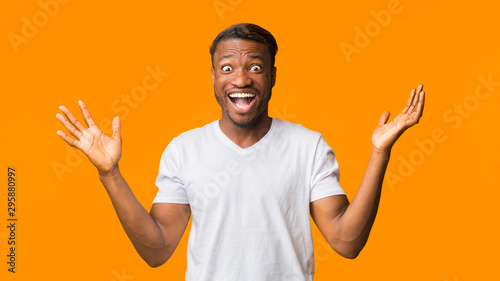 Surprised African American Man Shouting Looking At Camera, Studio, Panorama Slika na platnu