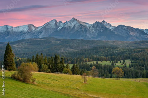 Obraz Mountain landscape, panorama of the Tatra Mountains - fototapety do salonu