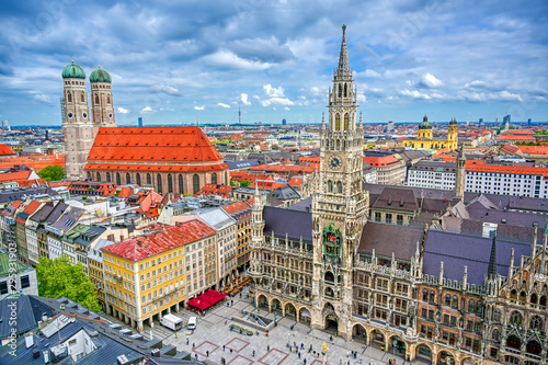 The New Town Hall located in the Marienplatz in Munich, Germany Wallpaper Mural