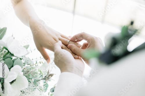 指輪の交換 結婚式 wedding リング Fototapeta