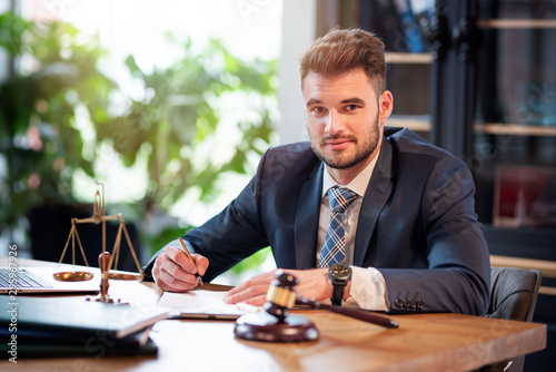 фотографія Lawyer or attorney working in the office