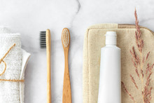 Set Of Eco-friendly Toothbrush...