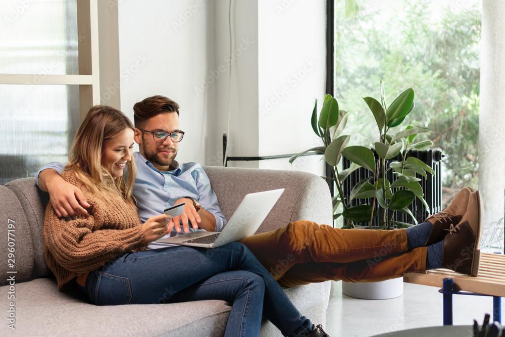 Fototapeta Ordering online - Startup Business