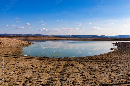 Cuadros en Lienzo Reservoir almost empty due to drought