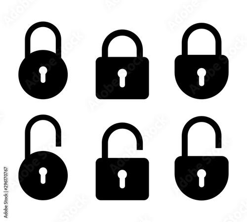 Fotografía  Set of lock and unlock icon. Vector symbol on white background.