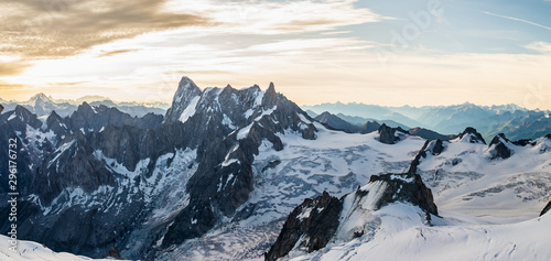 grand-jorasses-mont-blanc-massif-mountain-range-in-the-alps