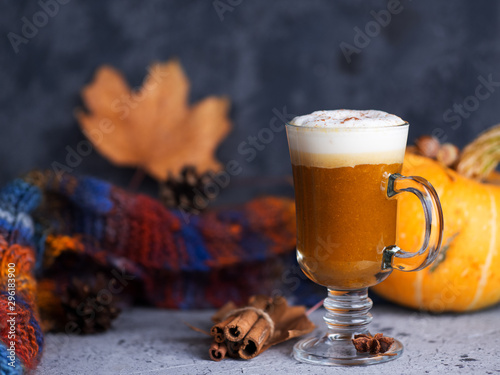 Obraz na plátne Autumn pumpkin coffee cinnamon latte. homemade