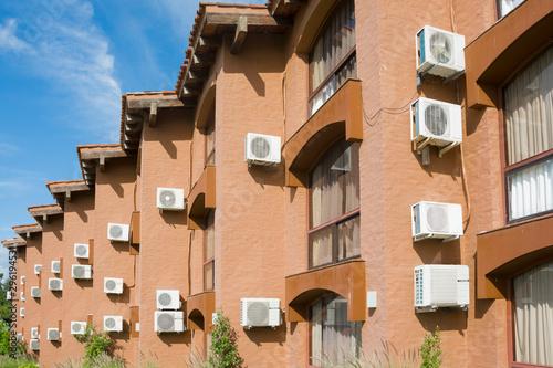 Photo edificio con calefacción y refrigeración