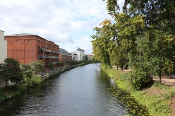 Fototapeta na wymiar Blick auf den Fluß Havel im Zentrum der Stadt Brandenburg an der Havel