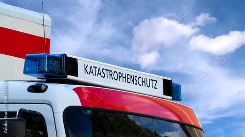Obraz na plátne Emergency vehicle with the inscription disaster protection – Katastrophenschutz