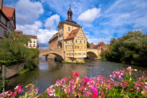 Keuken foto achterwand Oude gebouw Bamberg. Scenic view of Old Town Hall of Bamberg (Altes Rathaus) with two bridges over the Regnitz river
