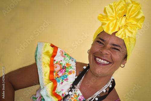 One cuban woman with traditional clothing and headdress Slika na platnu