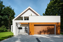 Elegant House With Garage