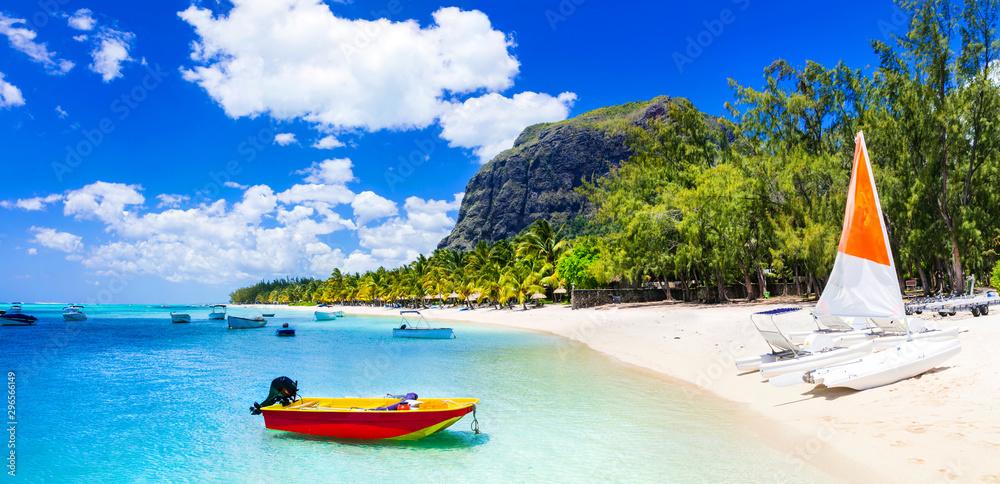 Fototapeta Water sport activities in beautiful Mauritius island